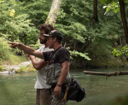 Pêcheurs bord de rivière